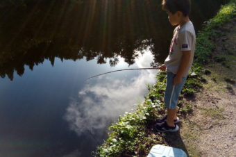 気まぐれ日曜イベント開催しております!本日9/27はザリガニ釣り大会!