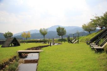 「伊賀の国 大山田温泉 さるびの」さんをご紹介!無料で水遊び&アスレチック!